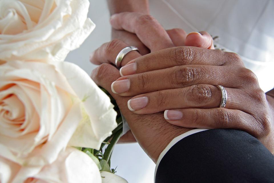 So sichern sich Ehepaare gegenseitig am besten ab